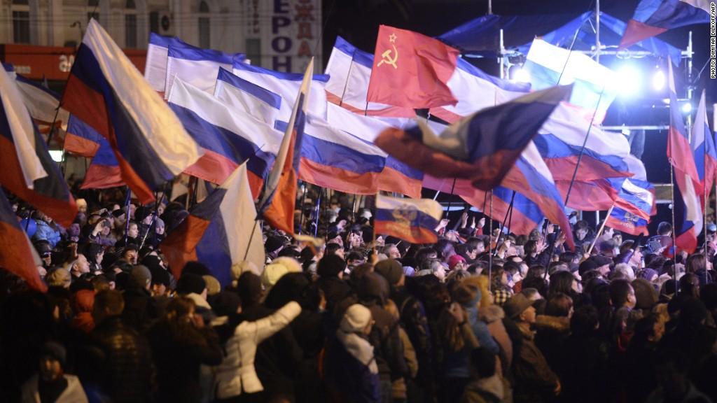 crimea russian flags