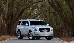 Cadillac Escalade nipping at Mercedes GL's heels, on prestige scale