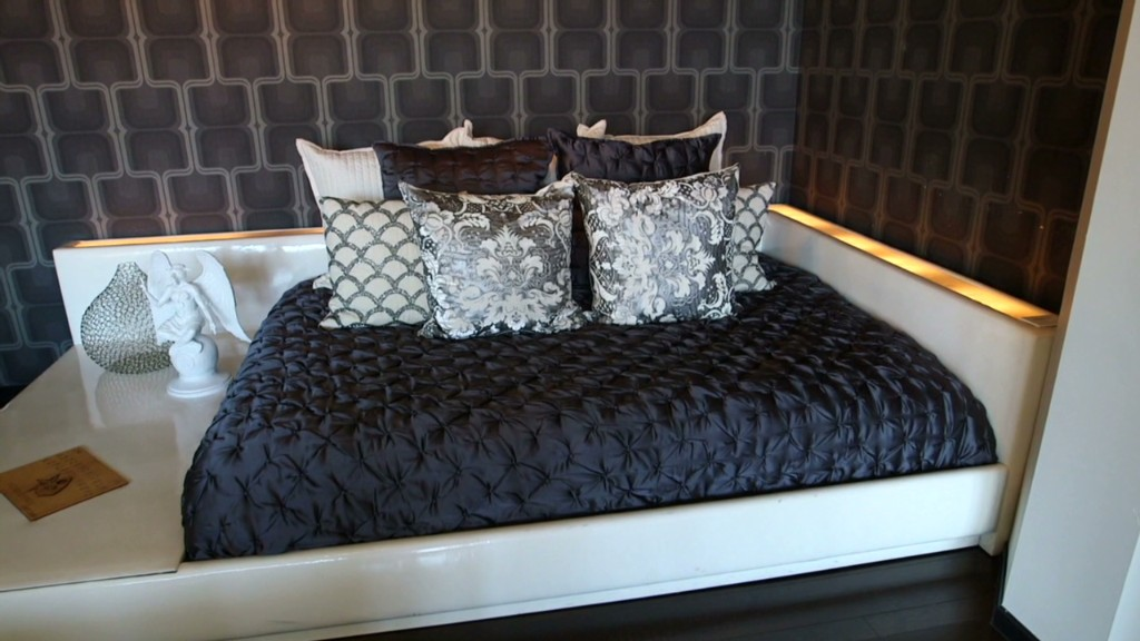 Sleep in Dave Navarro's bed for under $1M