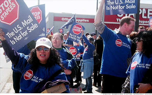 Postal workers to protest at Staples