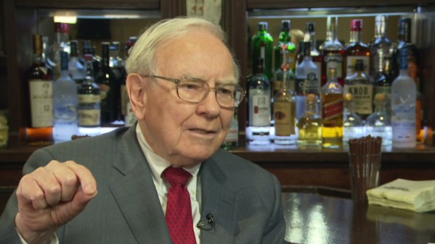 Buffett unsure about minimum wage hike