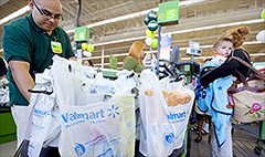 Wal-Mart to offer auto insurance