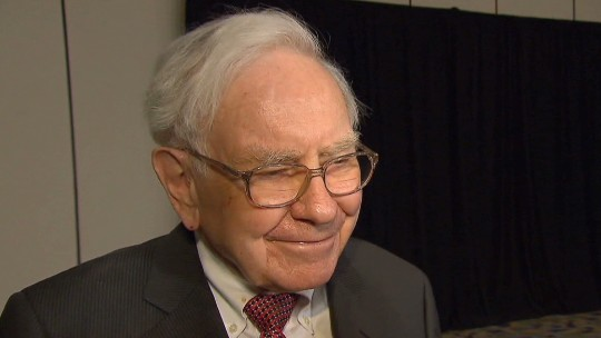 Warren Buffett says he knows who will succeed him