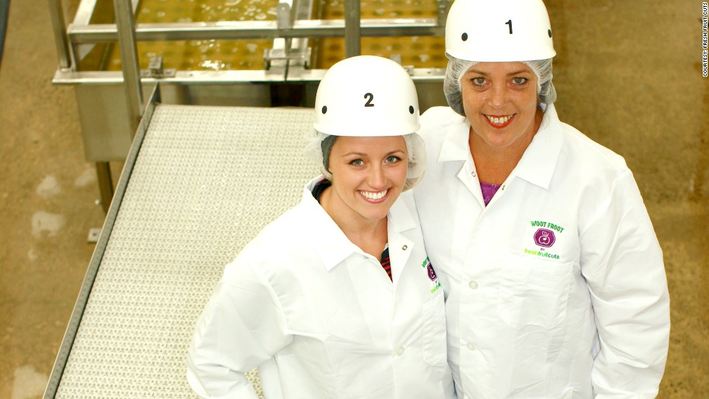 women in manufacturing fresh fruit cuts