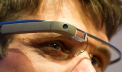 Google Glass wearers can steal your password