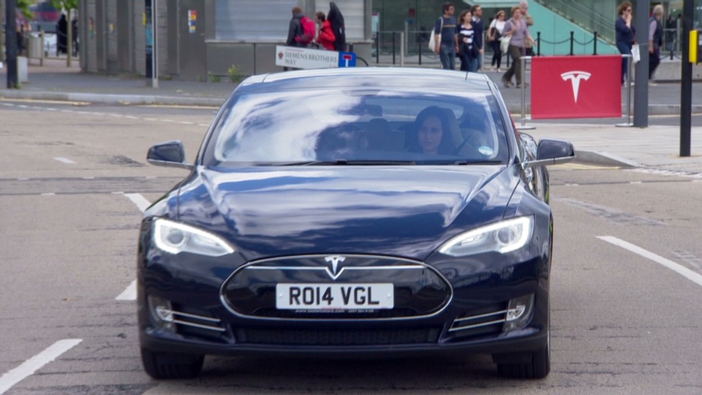 Tesla brings right-hand drive cars to U.K.