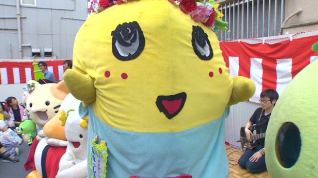 Japan goes crazy for home-grown mascot