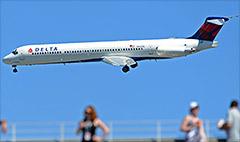Delta's profits and stock at cruising altitude