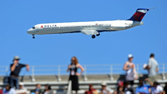 Delta pilots, seeking 37% raise, picket headquarters