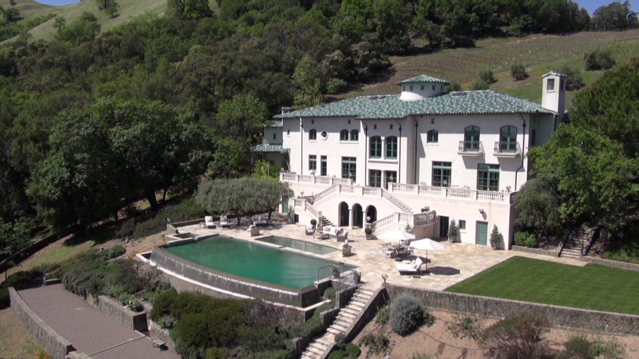 previously owned by robin williams this california vineyard estate includes amenities from an infinity pool and tennis courts to stables and hiking trails - Robin Williams Houses