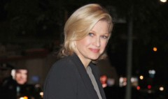 """Diane Sawyer's no-fuss sign off from ABC's """"World News"""""""
