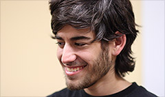 Aaron Swartz's father: He'd be alive today if he was never arrested