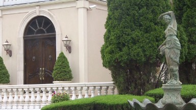 $11M Italian palazzo in the Hamptons