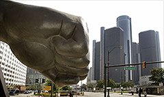 Detroit retirees back pension cuts