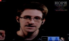 Snowden asks hackers to protect whistleblowers