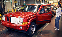Chrysler recalls 792,000 older Jeeps