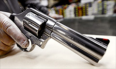 Smith & Wesson hit for overseas bribes