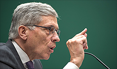 FCC to Verizon: Throttle this