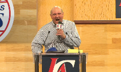 Wild Steve Ballmer revs up Clippers fans