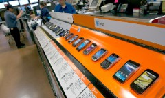 Wal-Mart cuts iPhone 5S and 5C prices