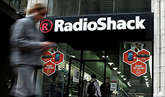 RadioShack in talks on cash lifeline