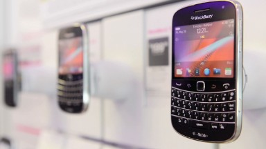 BlackBerry's software bet continues to pay off
