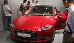 Tesla shares fall on run-up concern