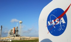 Boeing, Space X land NASA contracts
