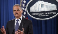 Holder: Pay Wall Street whistleblowers more