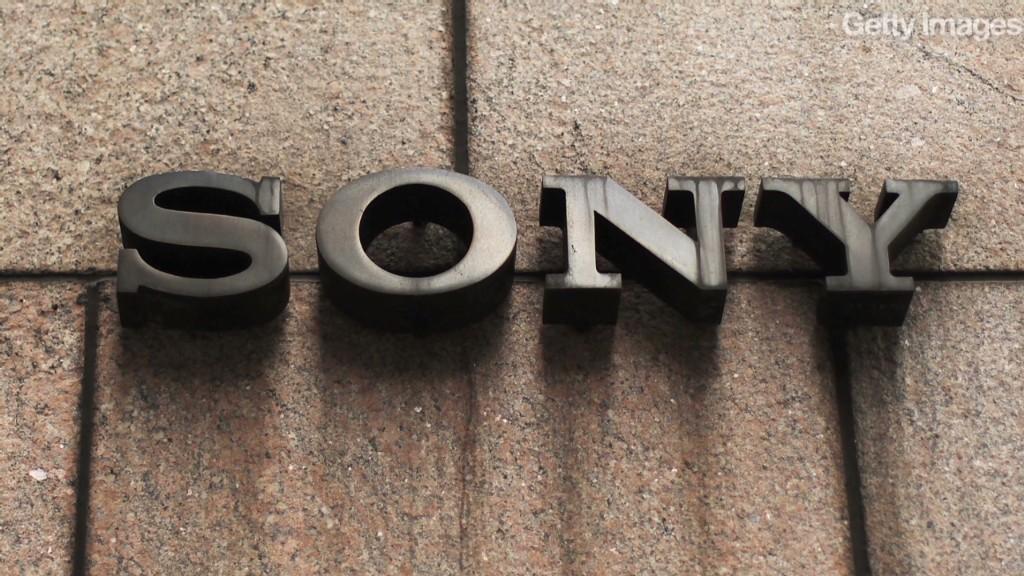 Sony smartphones sink the stock