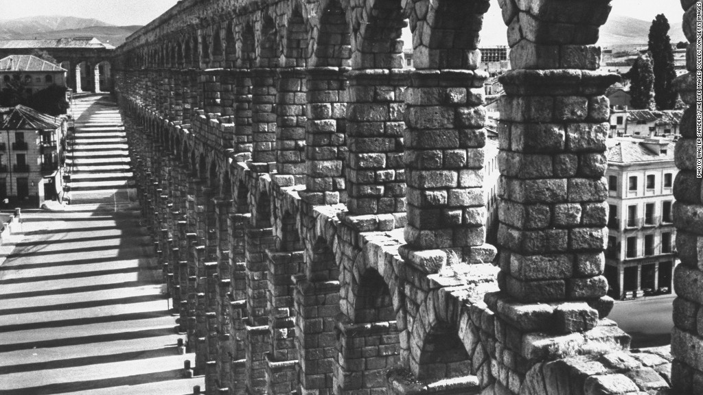 urban projects roman aqueduct