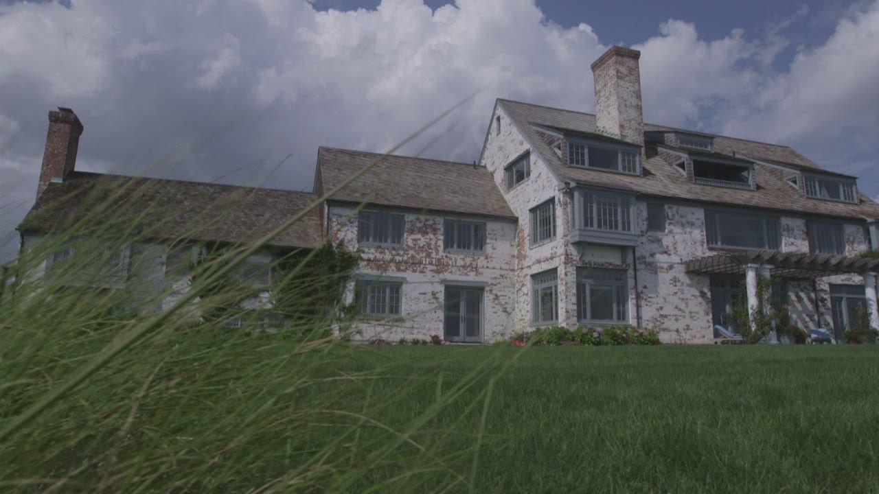 katharine hepburn called this home - Robin Williams Houses