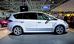Ford says recall will cost $500 million