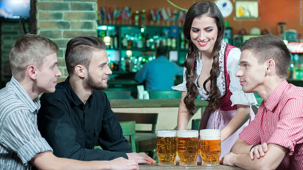 waitress harassment