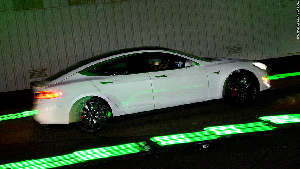 People go crazy over Tesla's 'insane mode'