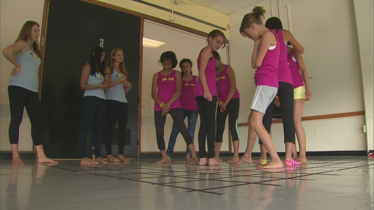Девушки после танцев фото
