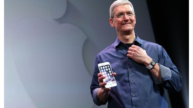 El CEO de Apple, Tim Cook, revela que es gay