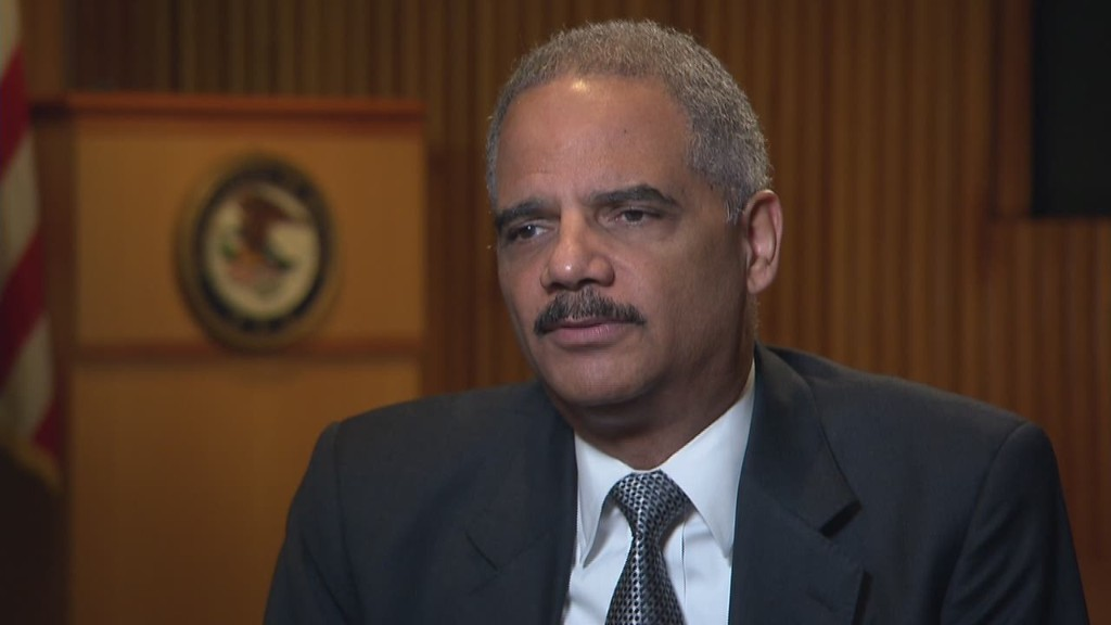 Holder: Lack of Wall Street convictions 'frustrating'