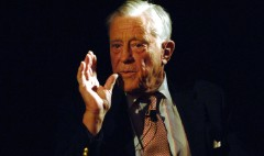 Ben Bradlee, editor who guided Washington Post through Watergate coverage, dies at 93