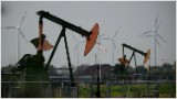 Oil will tumble to $70, says new 'bond king'