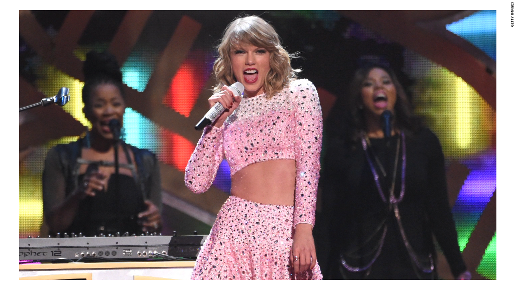 Taylor Swift's '1989' goes platinum