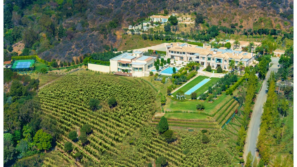 America 39 s most expensive home for sale 195 million for Most expensive house in us
