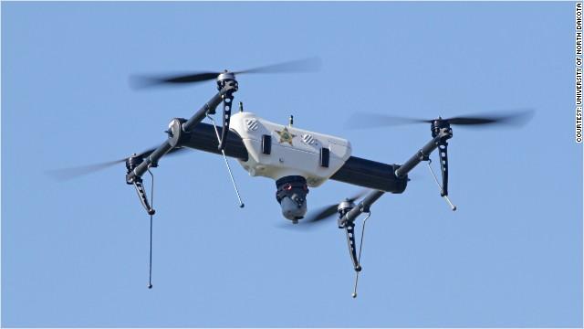 Se busca piloto de drones: salario inicial de 100.000 dólares
