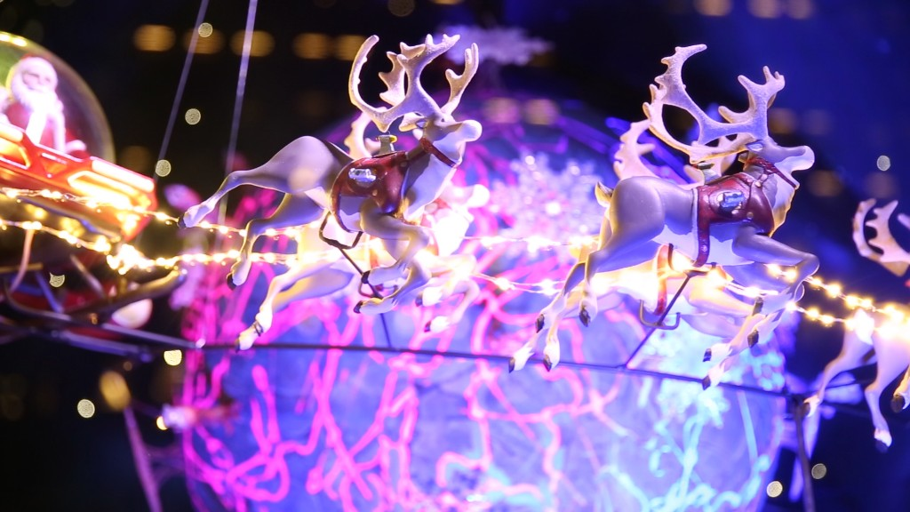 Watch how Macy's makes a holiday window
