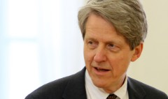 Housing guru Shiller: Put your money in stocks