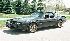 Burt Reynolds' Smokey and the Bandit Trans Am sells for $450,000