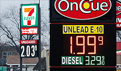 Drivers to save $550 on gas in 2015