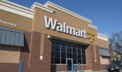 Wal-Mart customers can pick up their tax refunds in cash