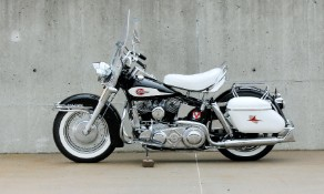 Rocker's Harley sells for $385,000