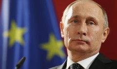 S&P cuts Russia's credit rating to junk